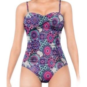 SPANX LOVE YOUR ASSETS BY SARA BLAKELY SWIMSUIT S